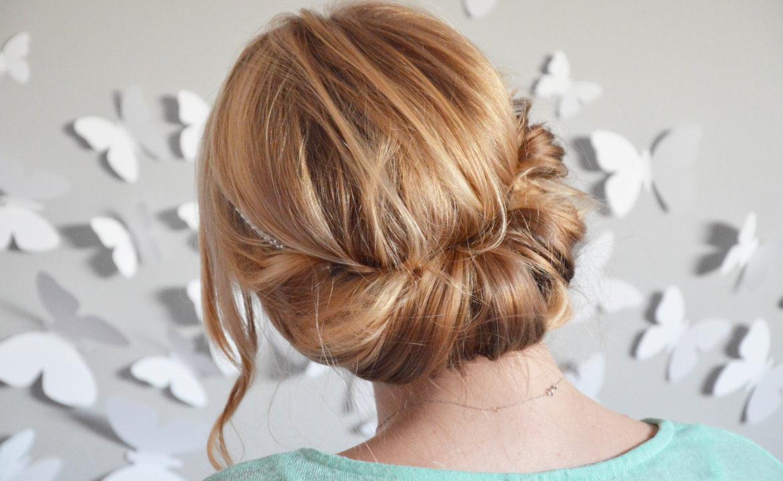 Coiffure facile cheveux mi long et bouclés