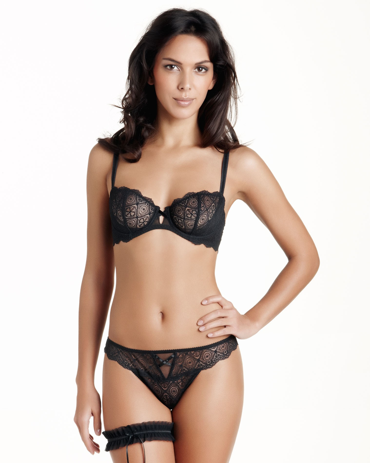 soutien-gorge translation english, French - English dictionary, meaning, see also 'soutien',soutenir',soutiendra',soutient', example of use, definition, conjugation.