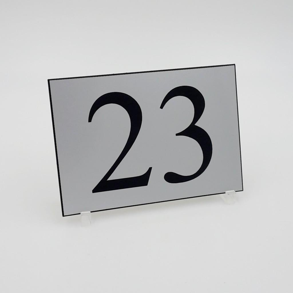 Plaque boîte aux lettres : soyez unique jusque dans votre plaque !